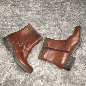 EUC! Brown Leather Clark's Booties